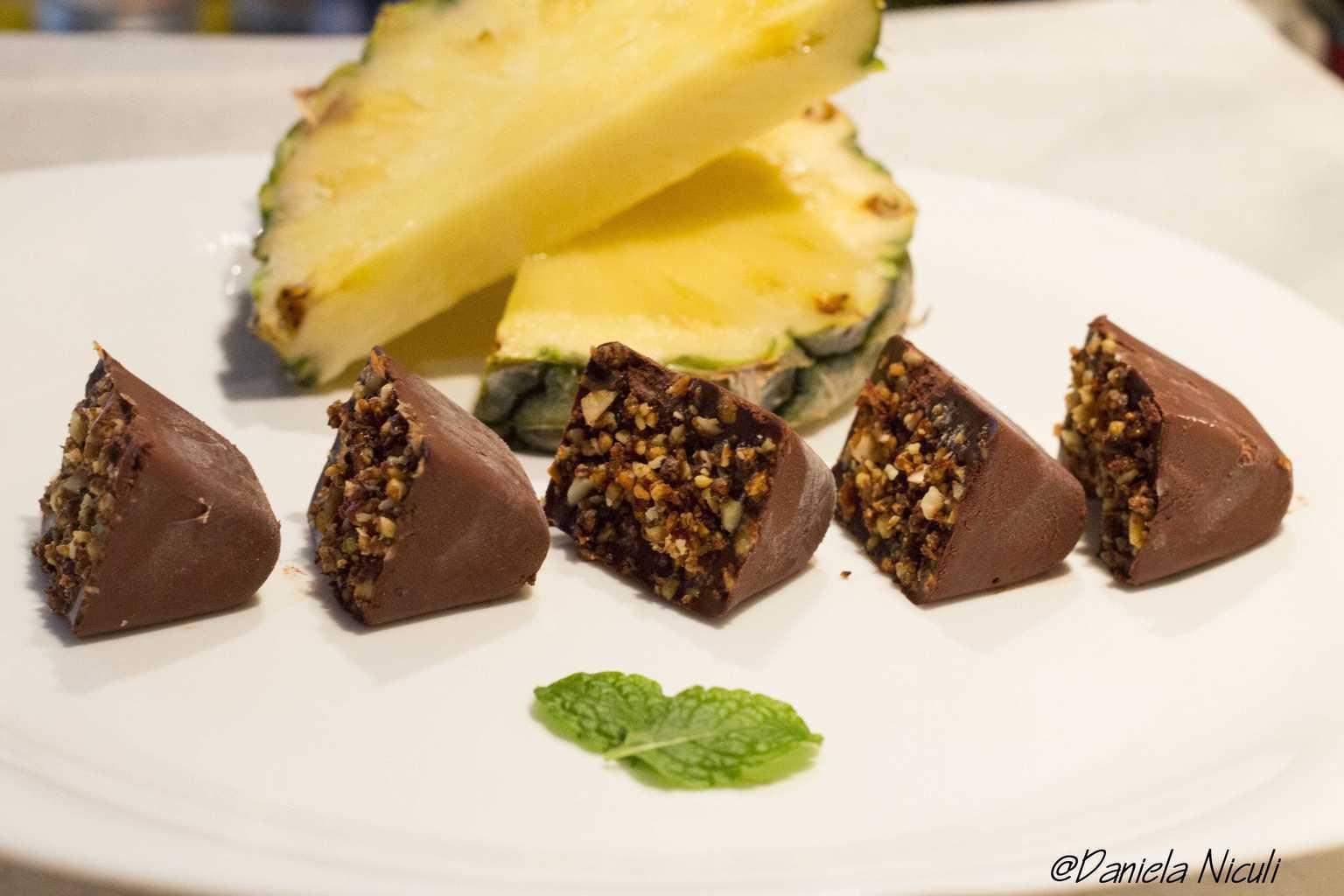 Bomboane de ciocolata raw