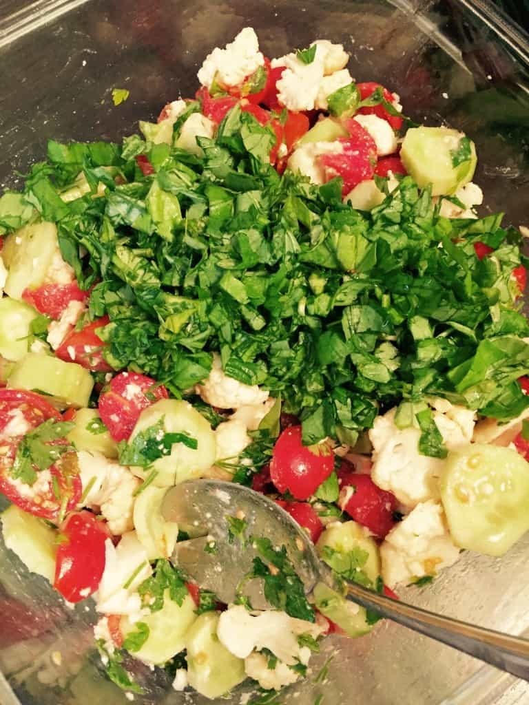 salata de rosii cu busuioc