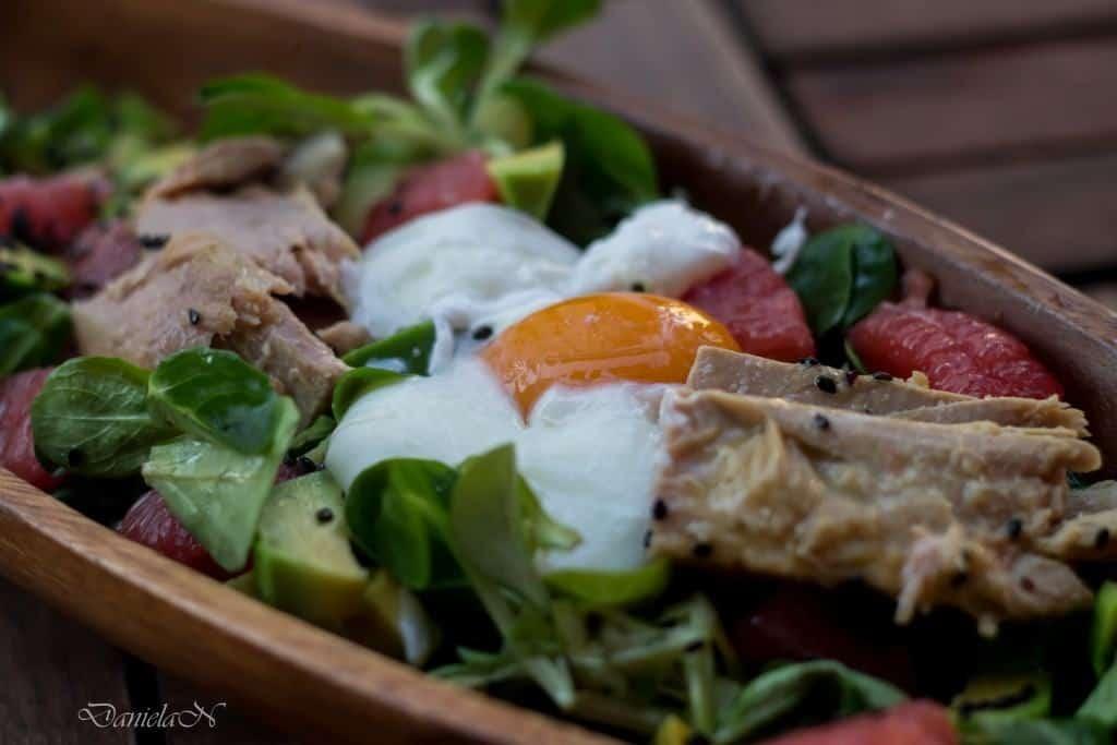 salata cu valeriana, grapefruit si avocado