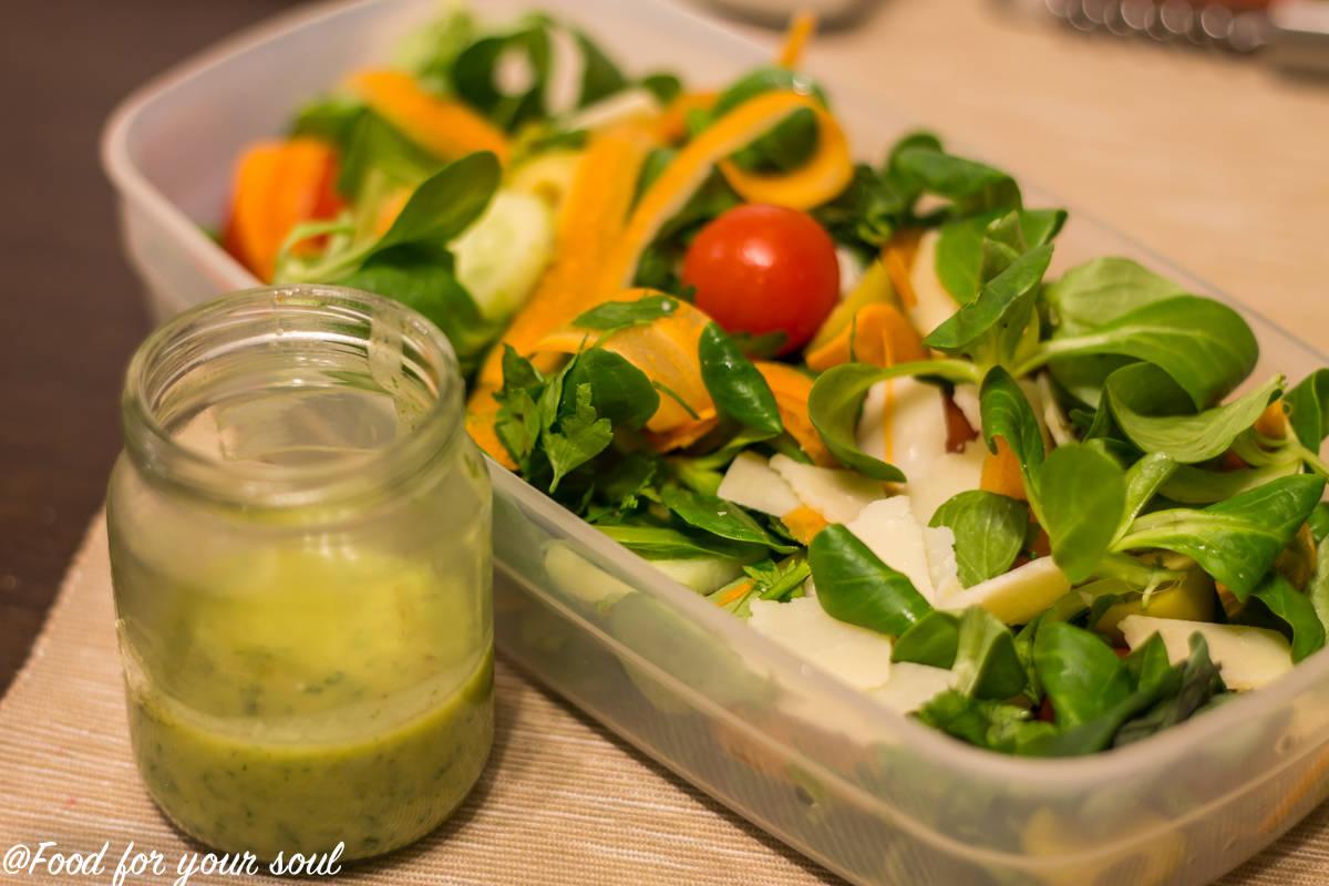 salata cu valeriana