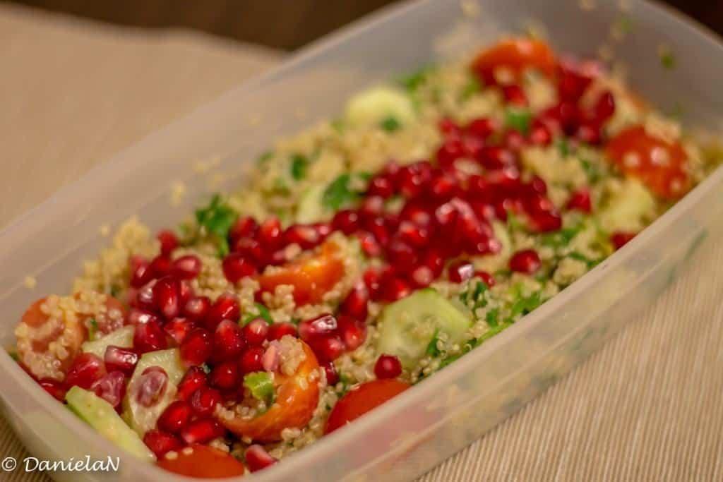 tabbouleh cu quinoa si rodie