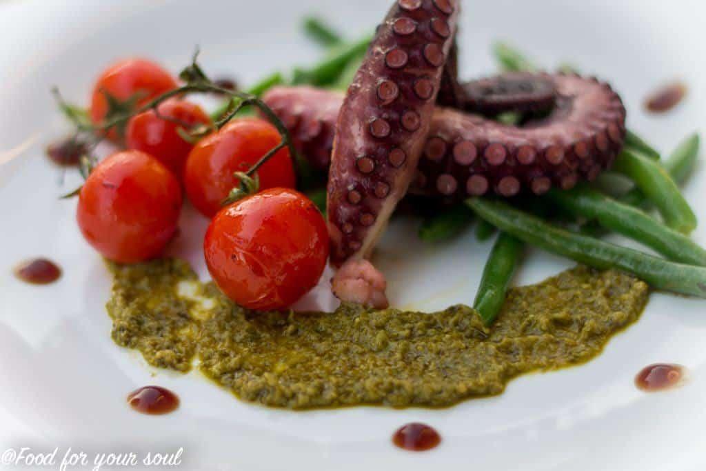 caracatita fripta cu fasole verde