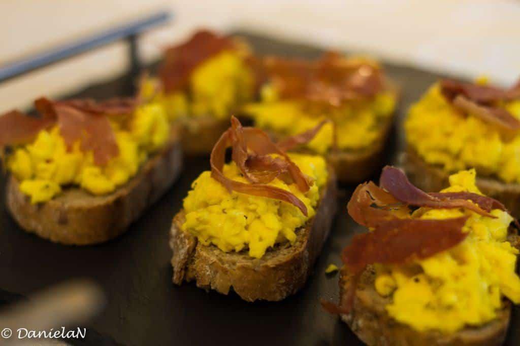 bruschete cu omleta