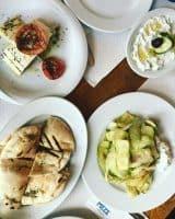Meze Taverna, pentru o călătorie culinară în Grecia