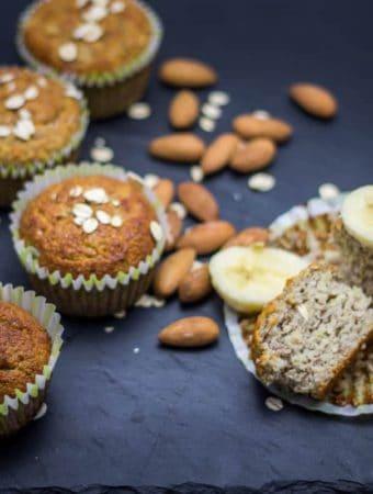 muffin cu banana si migdale
